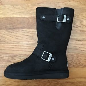 [5] UGG UGG Kensington Leather Boots